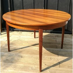 Table ronde en palissandre de rio vintage 70