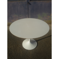 Table tulipe Saarinen de Knoll